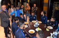 جمعية أنصار شباب الريف تحفز لاعبي الفريق قبل مقابلة ضد الرجاء الرياضي