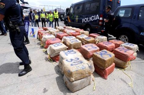 إعتقال مغربي بإسبانيا أُدين بـ15 سنة سجنا غيابيا بالتهريب الدولي للمخدرات