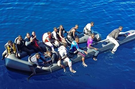 """غرق 22 شخصا في """"المتوسط"""" أبحروا على متن قارب من سواحل الحسيمة"""