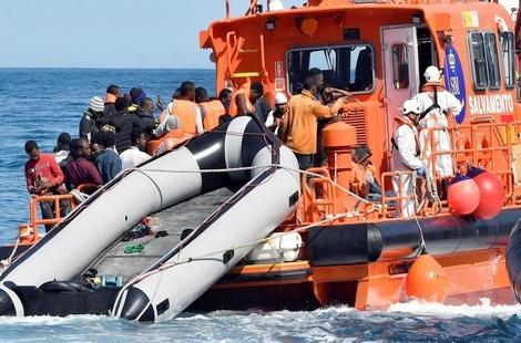 ايقاف 95 مهاجرا سريا بصدد الإبحار نحو اسبانيا انطلاقا من سواحل الريف
