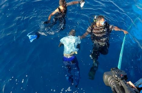 مصرع 13 مهاجرا في انقلاب قاربين قرب مليلية في محاولتهم الوصول إلى إسبانيا