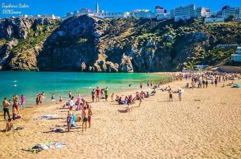 روبورتاج: شواطئ الحسيمة تستقبل مرتاديها بجملة من المشاكل