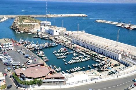 باعة السمك  بميناء الحسيمة مستاؤون