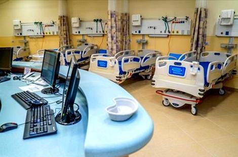 سلطات الحسيمة تعتزم تجهيز قاعات مغطاة بأسِرّة طبية تحسبا لأي طارئ
