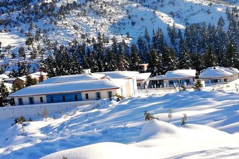 اليوسفي يطالب وزير التجهيز والنقل تزويد إقليم الحسيمة بكاسحات الثلوج